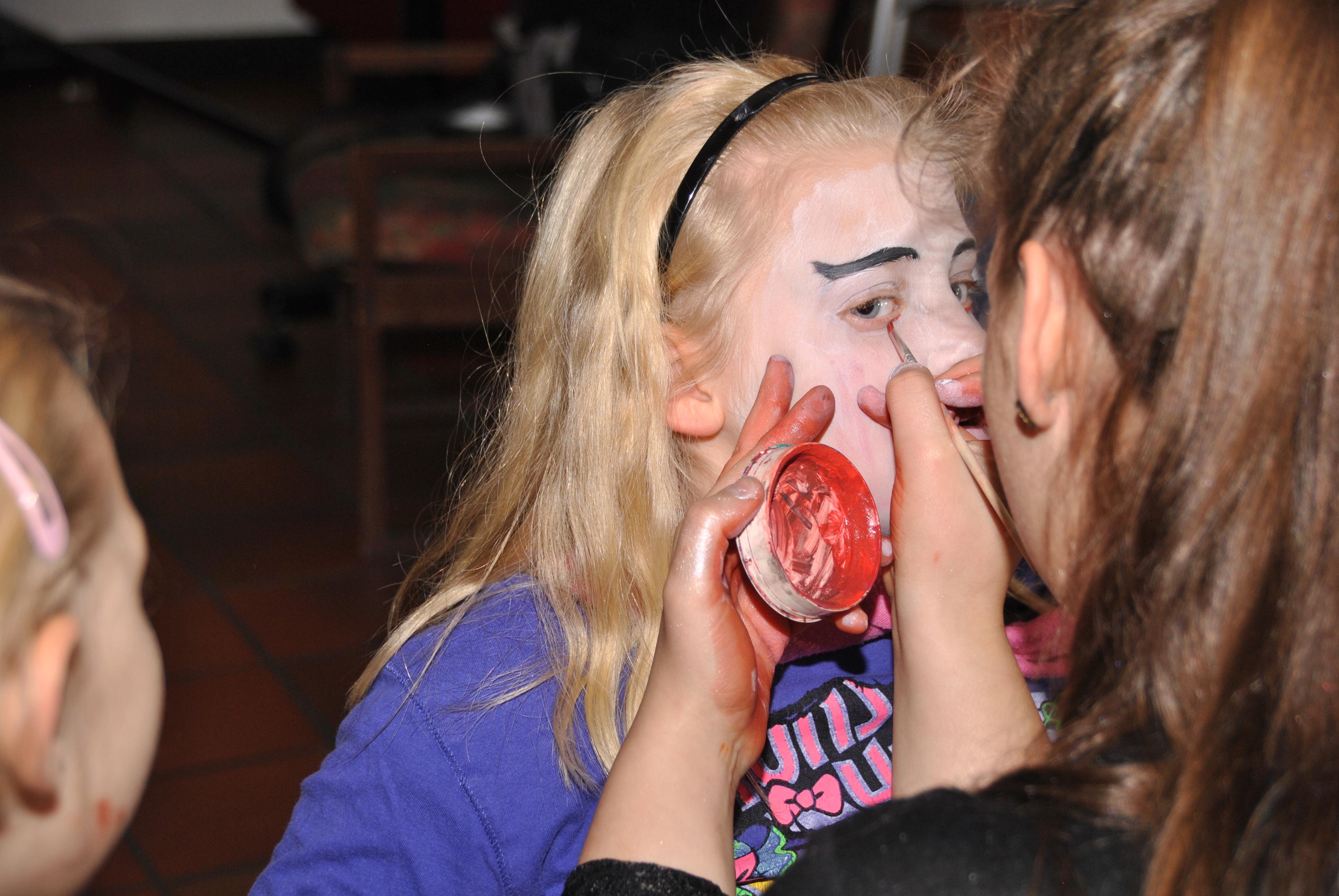 halloween schminken hexe jugendliche